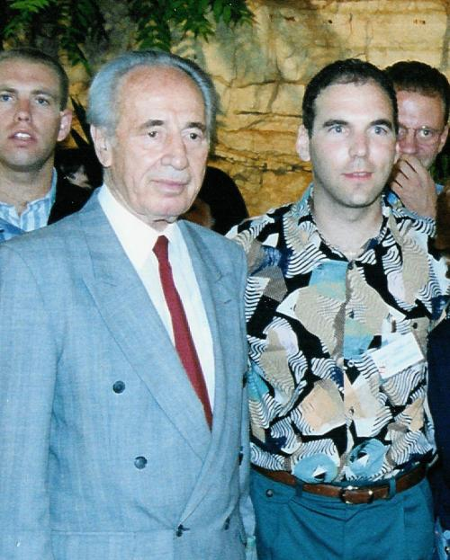I was privileged to have met and spoken with Shimon Peres in the mid 90s in Jerusalem.
