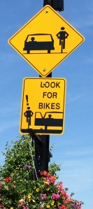 I always spot interesting and helpful road signs when I travel. This would be a neat safety feature around Montreal.