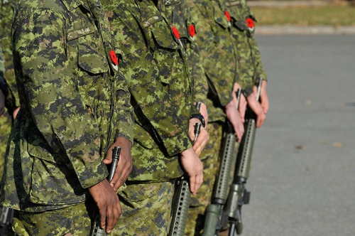 Royal Montreal Regiment guards at Remembrance Day in Hampstead on November 5, 2015 (Photo: Denis Beaumont)