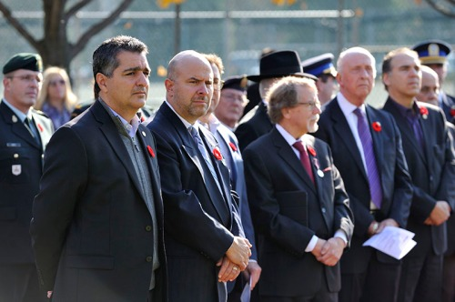 Hampstead Councillors Edery, Goldwax, Shaffer, Mayor Steinberg, CSL Acting Mayor Glenn J. Nashen at Remembrance Day in Hampstead on November 5, 2015 (Photo: Denis Beaumont)