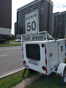 Cote Saint-Luc's speed trailer deployed on Cavendish Blvd. (July 2016. Source: CSL)